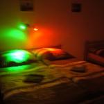 Zelený pokoj v noci